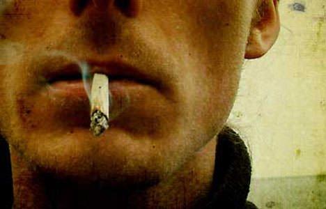 Due pacchetti di sigarette al giorno portano il rischio Alzheimer a più 157%