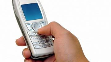 Telefonia. Metodi commerciali truffaldini per rifilare i prodotti: è possibile denunciare