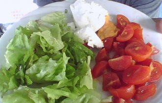 La dieta mediterranea combatte l'acne