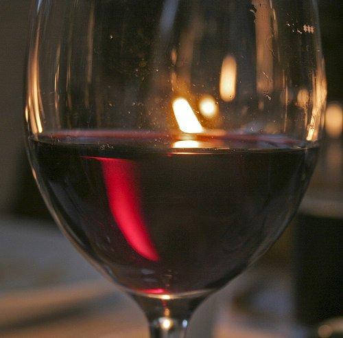 Basta pregiudizi, per la linea meglio il vino del cocktail