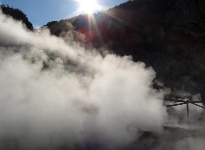 A Pozzuoli si cucina sulle fumarole del vulcano Solfatara