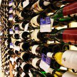 Vino: Consumi in calo, ma crescono gli acquisti di qualità