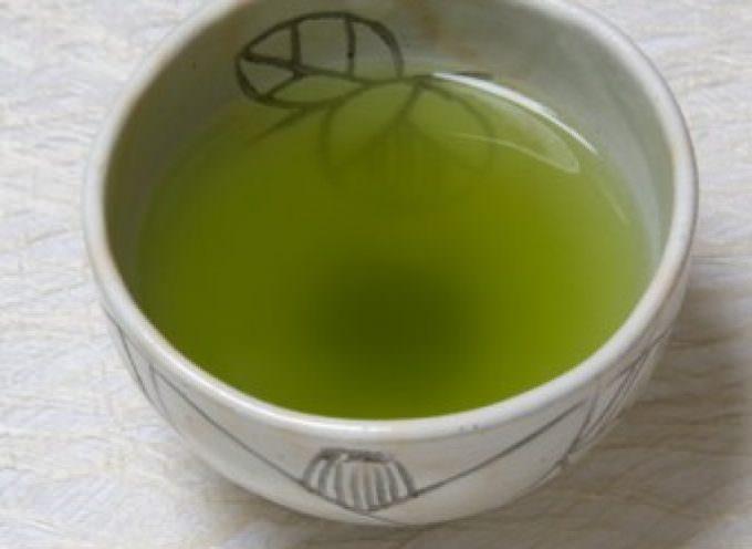 Tè verde: i suoi polifenoli proteggono da cancro, demenza ed Alzheimer
