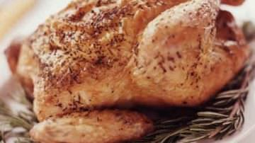 Alimentare: Coldiretti, allarme pollo varechina in world egg day
