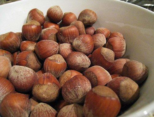 """In pericolo le nocciole """"made in Italy"""" e rischi anche per la salute"""