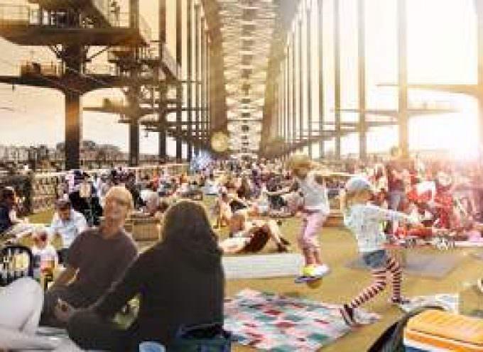 Australia. Colazione per 6.000 sul ponte di Sidney