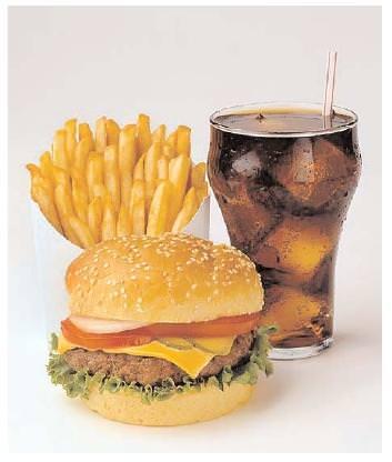 Abitudini alimentari: Solo il 2,7% degli italiani sceglie il fast-food in pausa pranzo