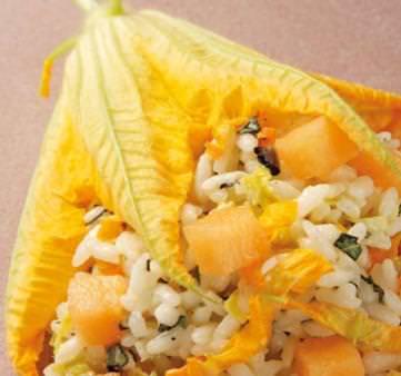 Risotto al melone e fiori di zucca