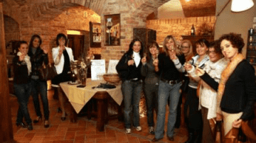 """Conegliano (TV): Cinzia Michelini è la vincitrice morale del concorso """"Naso d'Oro"""""""