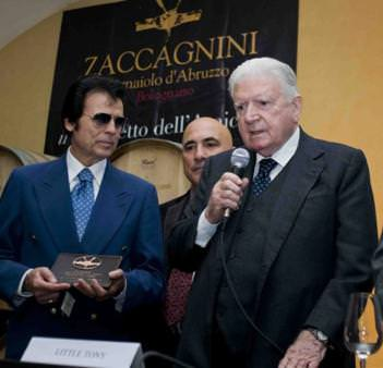 """Bolognano (PE): Little Tony ha ricevuto """"Il Tralcetto dell'amicizia 2009"""""""