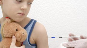 """Influenza A, Fazio: """"Vaccineremo anche i bambini sani"""""""