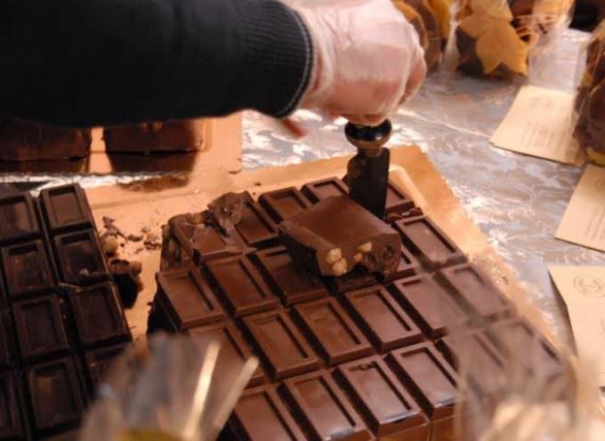 Il cioccolato batte il colesterolo. Ma rimane off limit per i diabetici