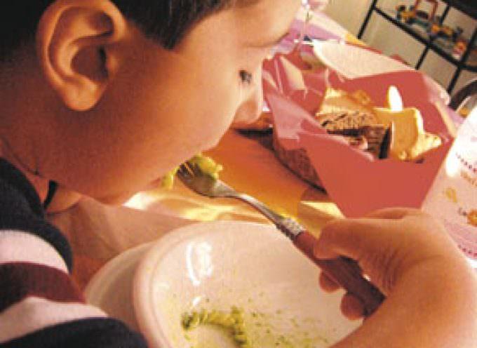 Masticare lentamente aiuta a dimagrire