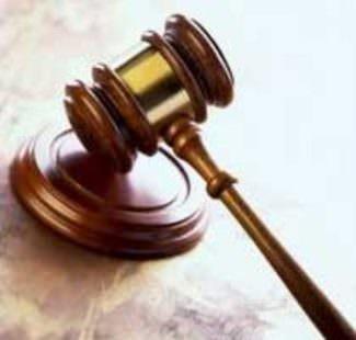 Aula di tribunale - Martelletto da giudice
