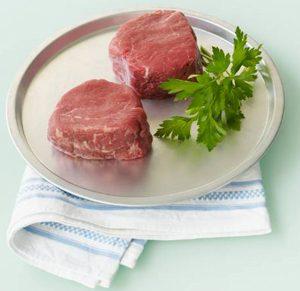 Carne rossa, con le verdura fa meno male