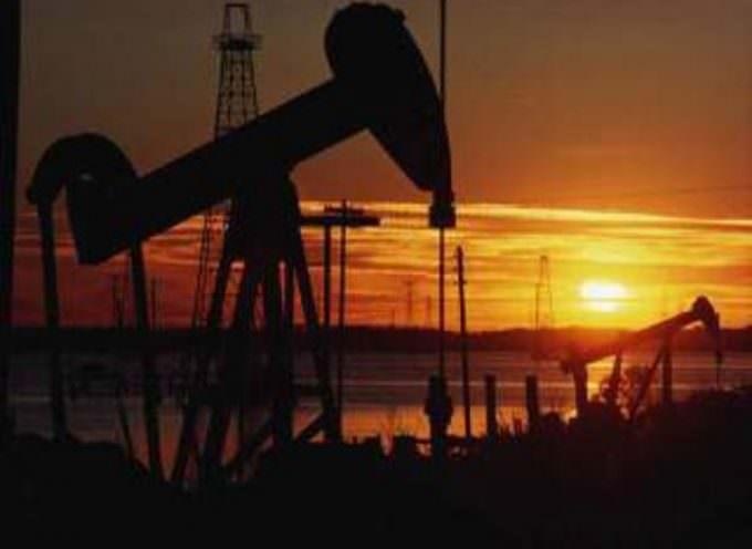 Prezzo della benzina, il Codacons chiede un confronto tecnico all'Up