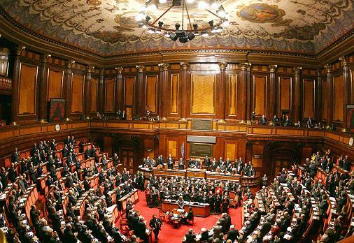 Senato: Quando una poltrona, anzi due, fanno l'unanimita'