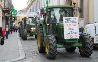 Finanziaria: Zaia prepara il piano anticrisi, gli agricoltori continuano le proteste