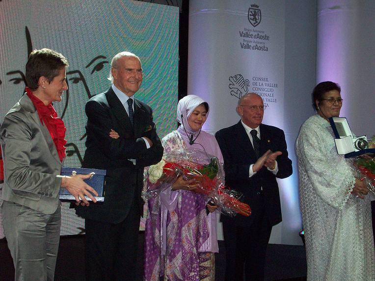 """Premio Internazionale """"La Donna Dell'Anno 2010"""": Scelte le tre finaliste"""