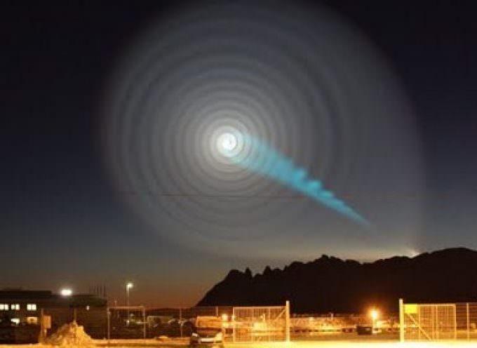 Norvegia. Una luce blu attraversa il cielo: è mistero