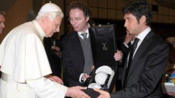 """Il Papa? Preferisce il pesto senz'aglio"""". Cucina e vita di Luciano Zeffirino, lo chef dei Pontefici"""