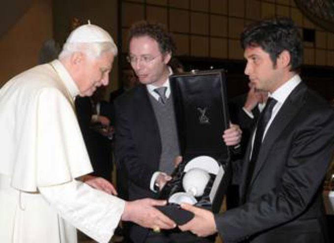 Luigi Monti di Formia International di Murano ricevuto da Benedetto XVI