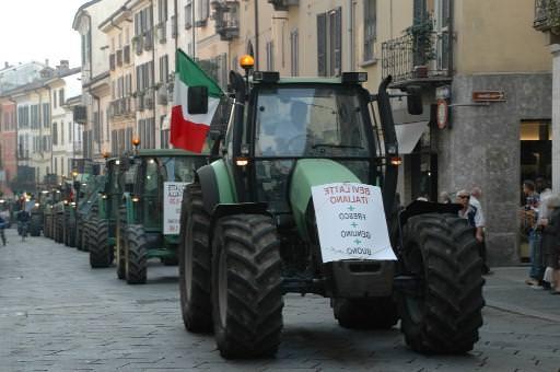 Quote latte: 500 trattori a Milano