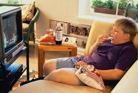 Guardare la televisione aumenta il rischio di diabete e malattie cardiovascolari