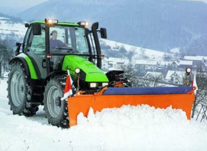 Maltempo: Coldiretti, trattori in soccorso pulizia strade da neve