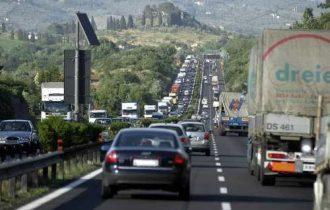 Tariffe: Coldiretti, in Italia su strada 80% dei trasporti