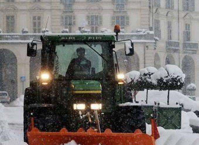 """Grazie al """"contadino spazzaneve"""" scongiurato l'isolamento delle zone rurali"""