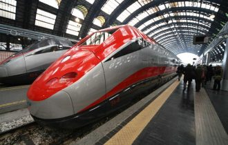 Treni: continuano i ritardi dei Frecciarossa