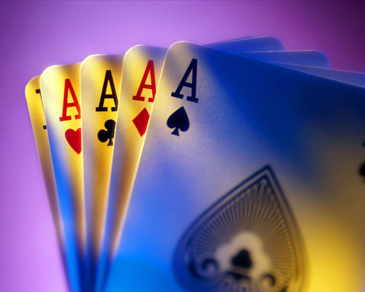 Gioco d'azzardo o autolesionismo consapevole, con l'egida di chi ci governa?