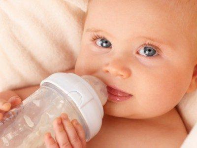 Troppe calorie nel latte in polvere per neonati