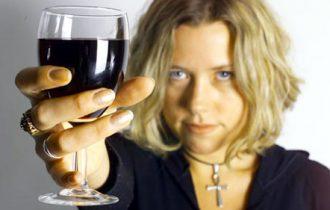 Le donne in carriera bevono il doppio delle impiegate