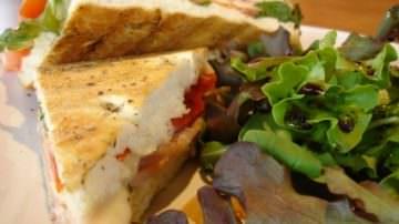 Vinoforum: Sfida a colpi di panini e bollicine tra grandi chef