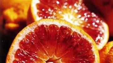 Inizia la raccolta delle Naveline: arance a polpa chiara, molto succose, dal tipico profumo di Sicilia. Come acquistare le arance direttamente dal produttore