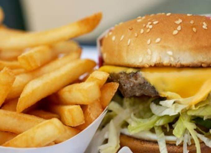 I film di Hollywood: pubblicità subliminali per la cattiva alimentazione