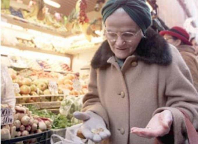 Inflazione: Per l'Istat a febbraio rallenta, per il consumatore invece aumenta