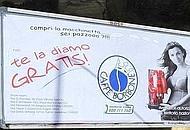"""""""Te la diamo gratis"""". Le donne di Napoli contro la pubblicità del caffè"""