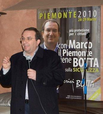 """Marco Botta """"beccato"""" in albergo a Casale Monferrato con una rossa! Ed anche con un uomo della capitale!"""