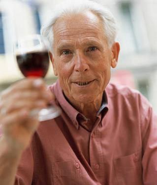 Infarto, due bicchieri al giorno aiutano il recupero