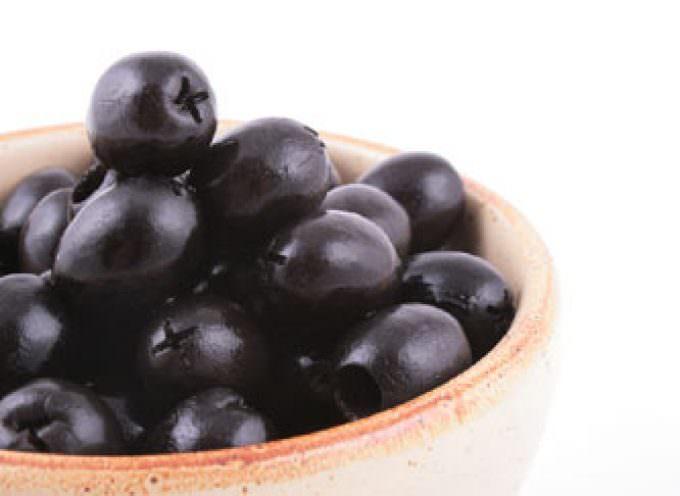 Salsa di olive nere per crostini
