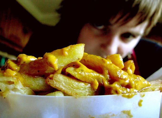 Salute: Coldiretti, in Italia 41% bambini dipendenti da cibo spazzatura