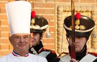 """Paul Bocuse, chi è il """"Papa della cucina"""""""