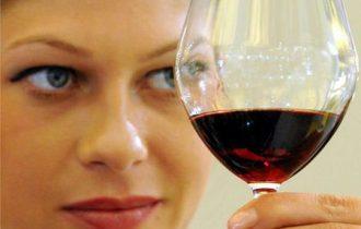 Vino, l'aroma dipende dai microbi