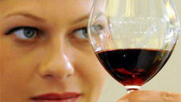 Vino: l'odore di tappo blocca l'olfatto, riducendo il sapore
