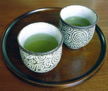 Tè verde e gli altri: le erbe per proteggersi dal sole