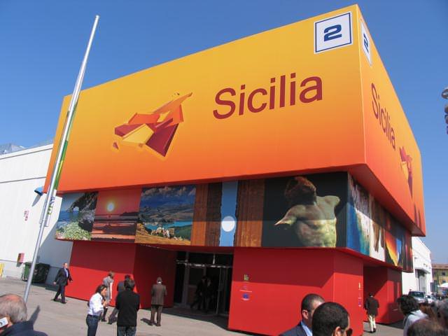 Ultimissime da Vinitaly 2012: gli espositori pagheranno con la formula 'soddisfatti o rimborsati'
