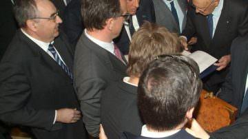 """Vinitaly: Gardini consegna a Napolitano il """"Vino della Pace"""""""